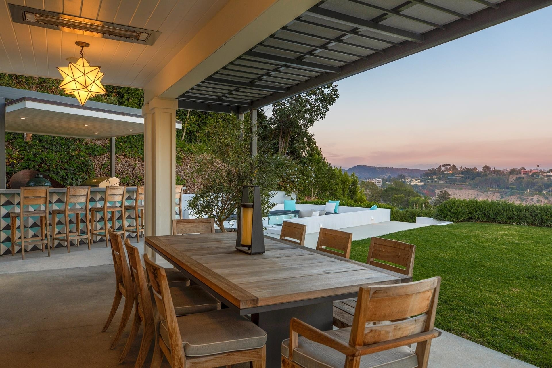 18. Single Family Homes for Sale at Bel Air, Los Angeles, CA 90077