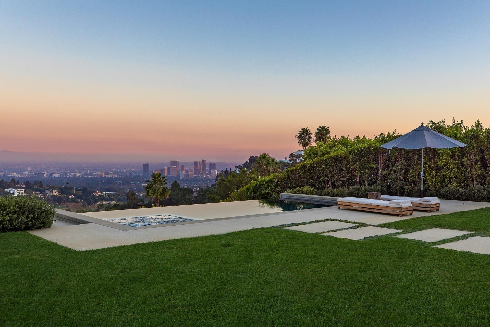 5. Single Family Homes for Sale at Bel Air, Los Angeles, CA 90077