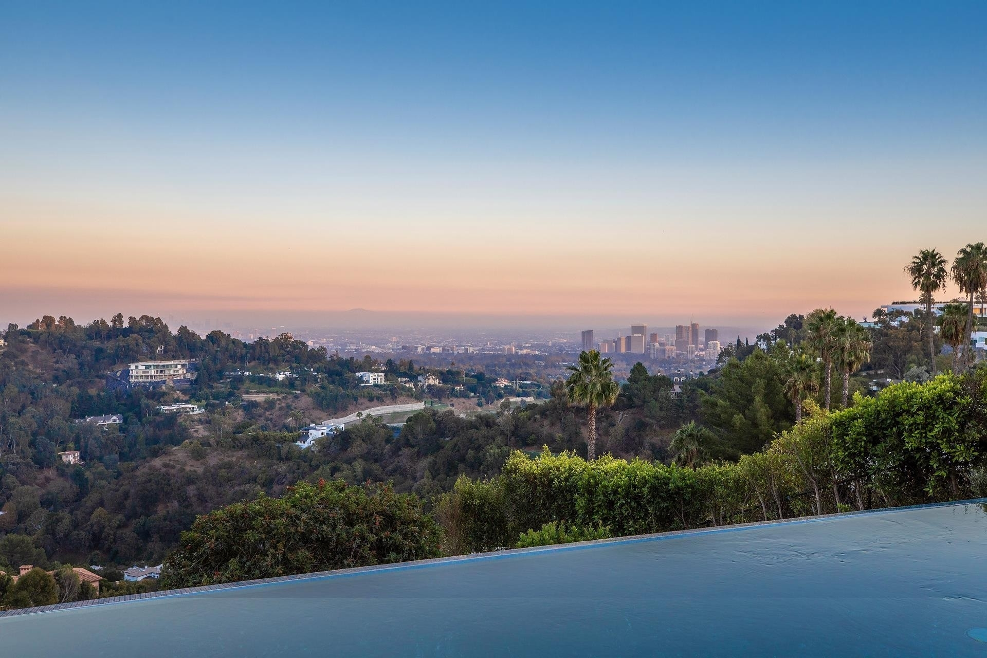 34. Single Family Homes for Sale at Bel Air, Los Angeles, CA 90077