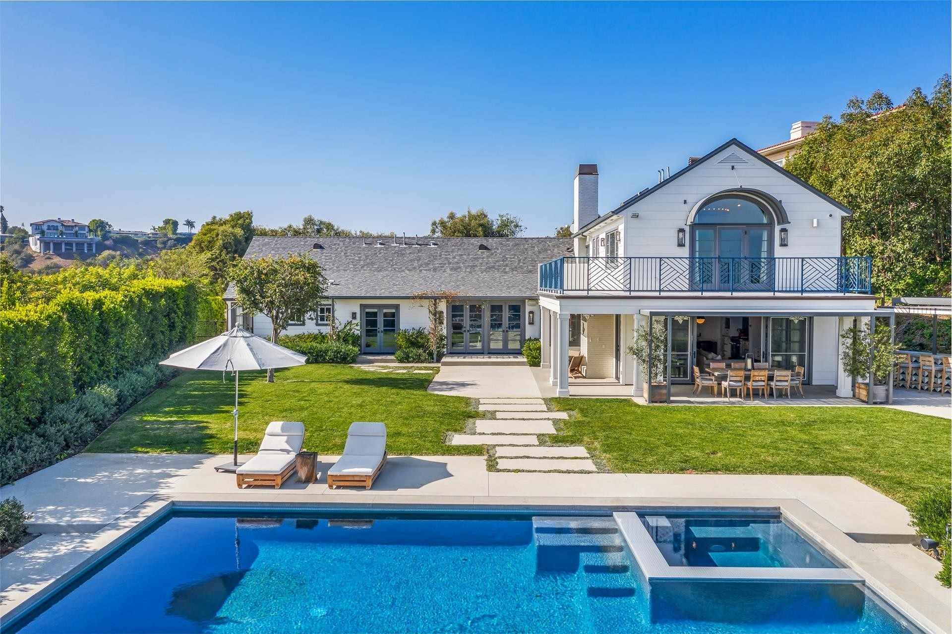 39. Single Family Homes for Sale at Bel Air, Los Angeles, CA 90077