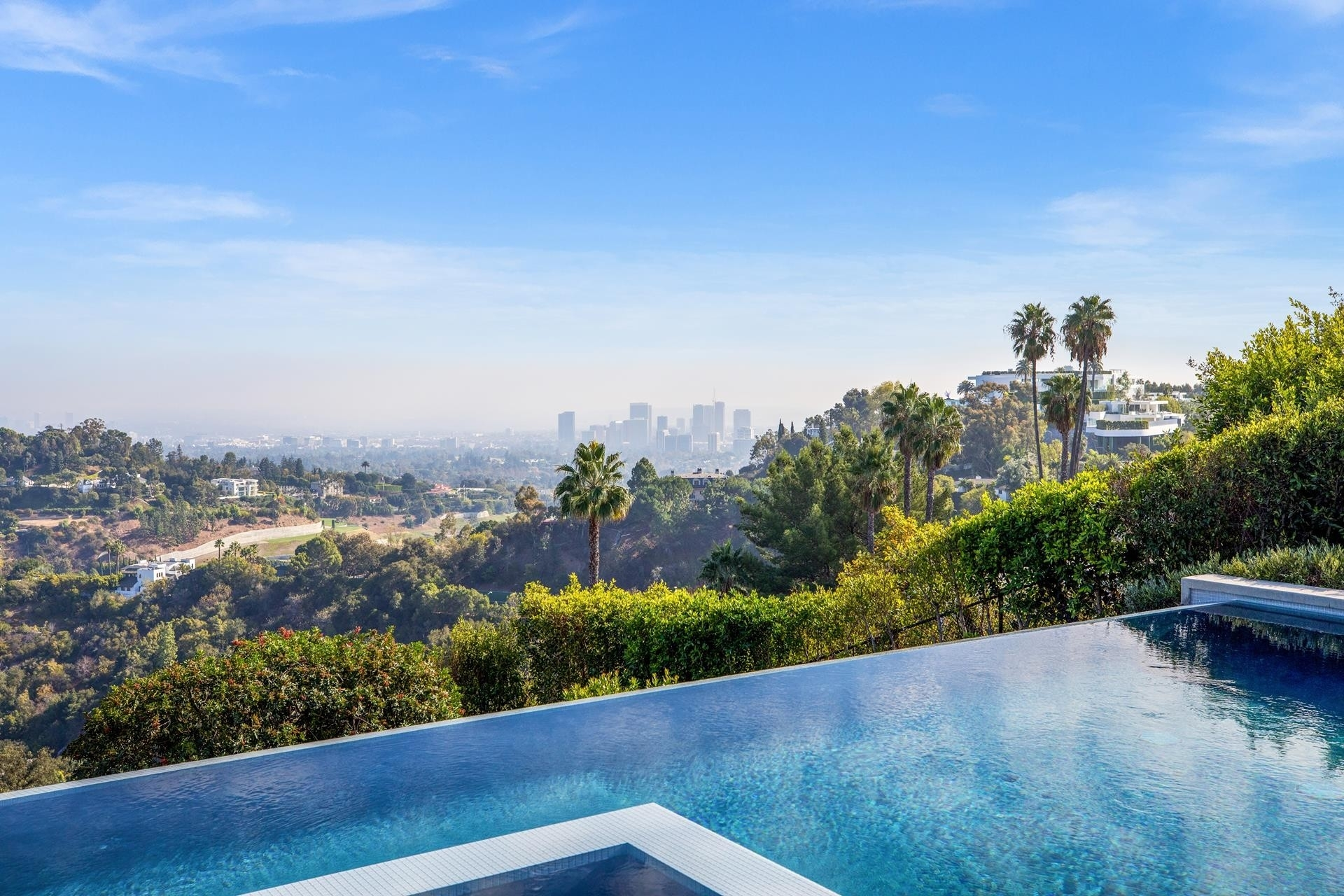 25. Single Family Homes for Sale at Bel Air, Los Angeles, CA 90077