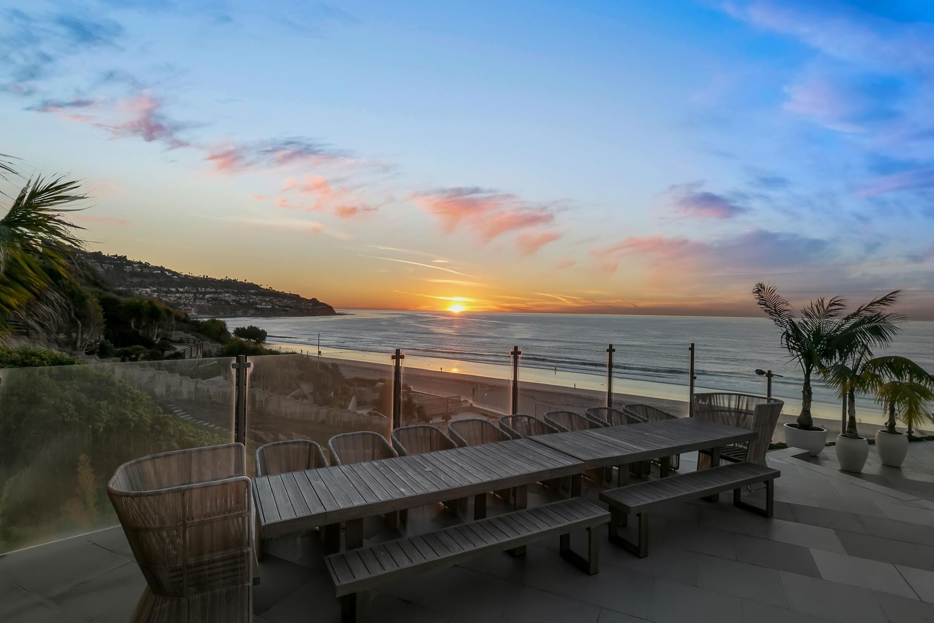 7. Single Family Homes pour l Vente à Redondo Beach, CA 90277