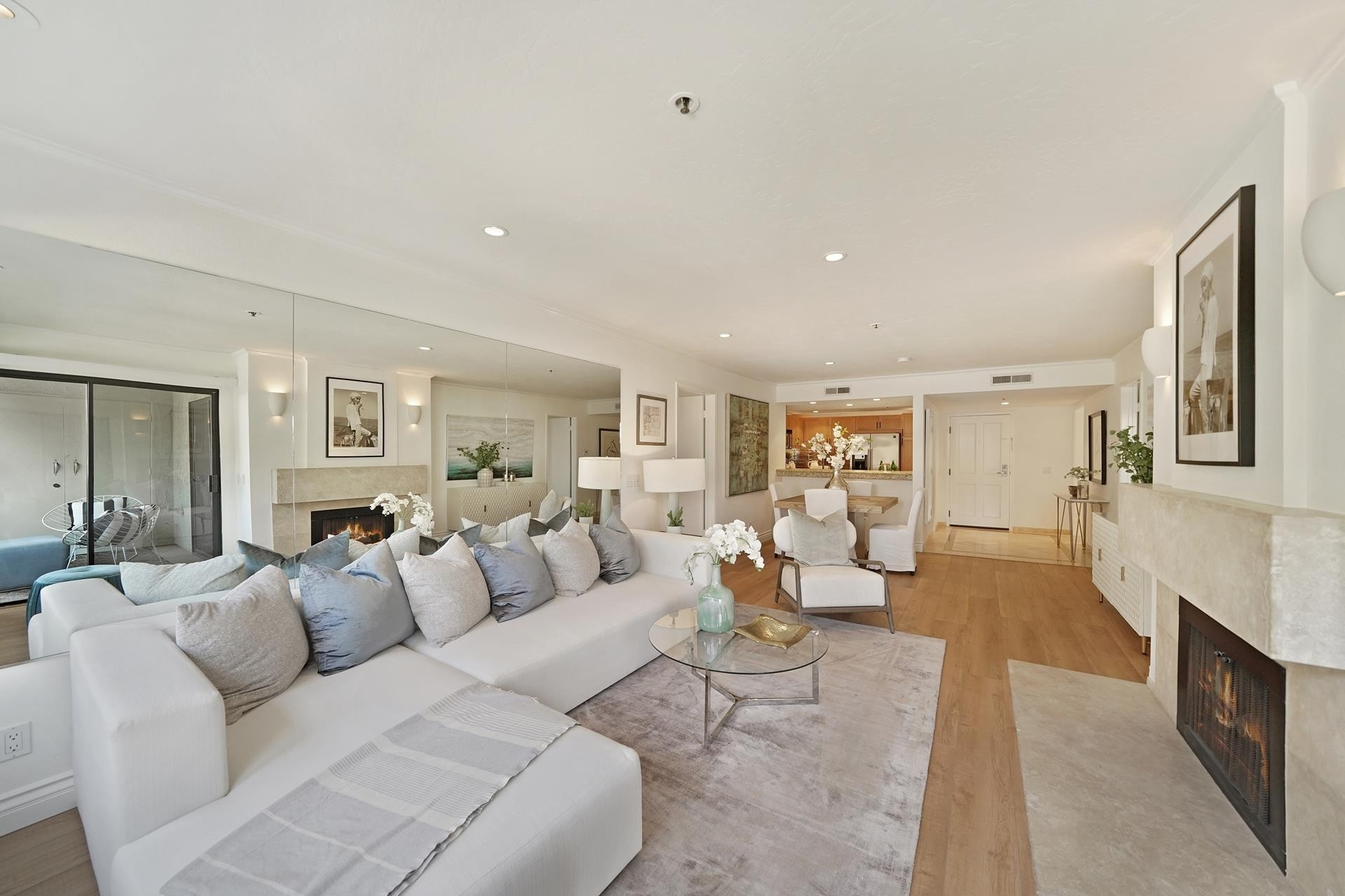 Property en 240 Nice Lane, 204 Newport Beach, CA 92663