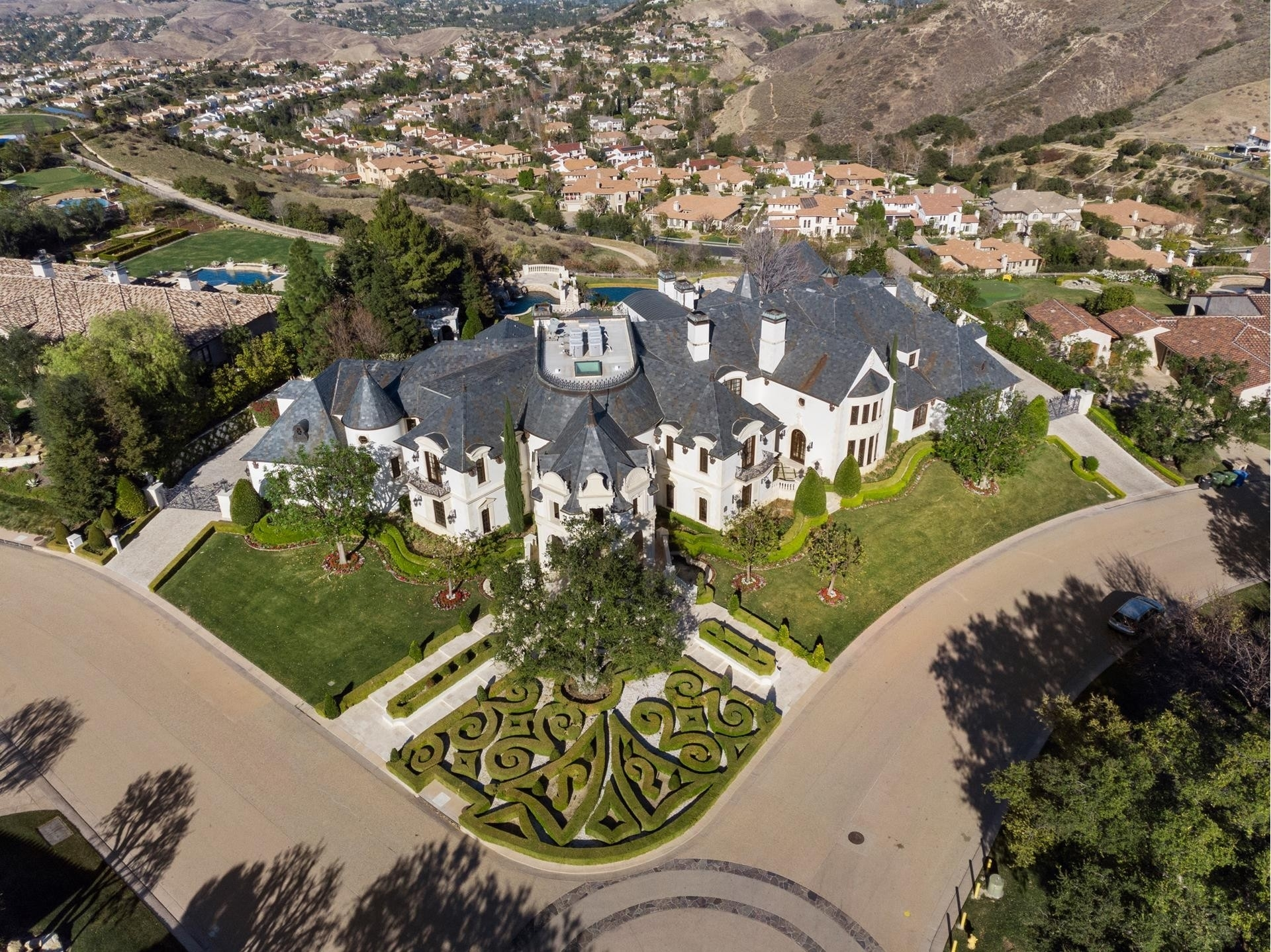 29. Single Family Homes for Sale at The Oaks, Calabasas, CA 91302