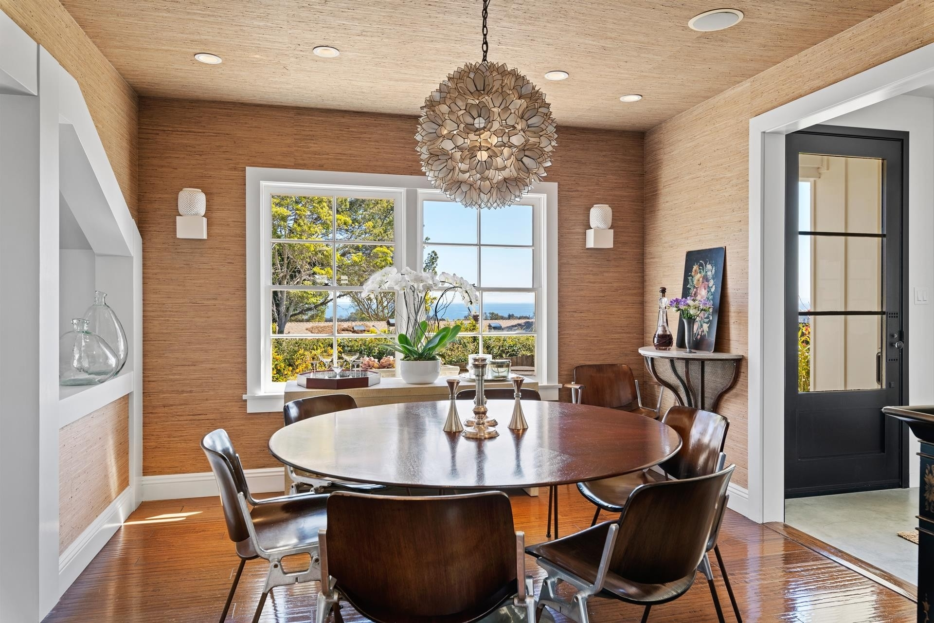 14. Single Family Homes for Sale at Point Dume, Malibu, CA 90265
