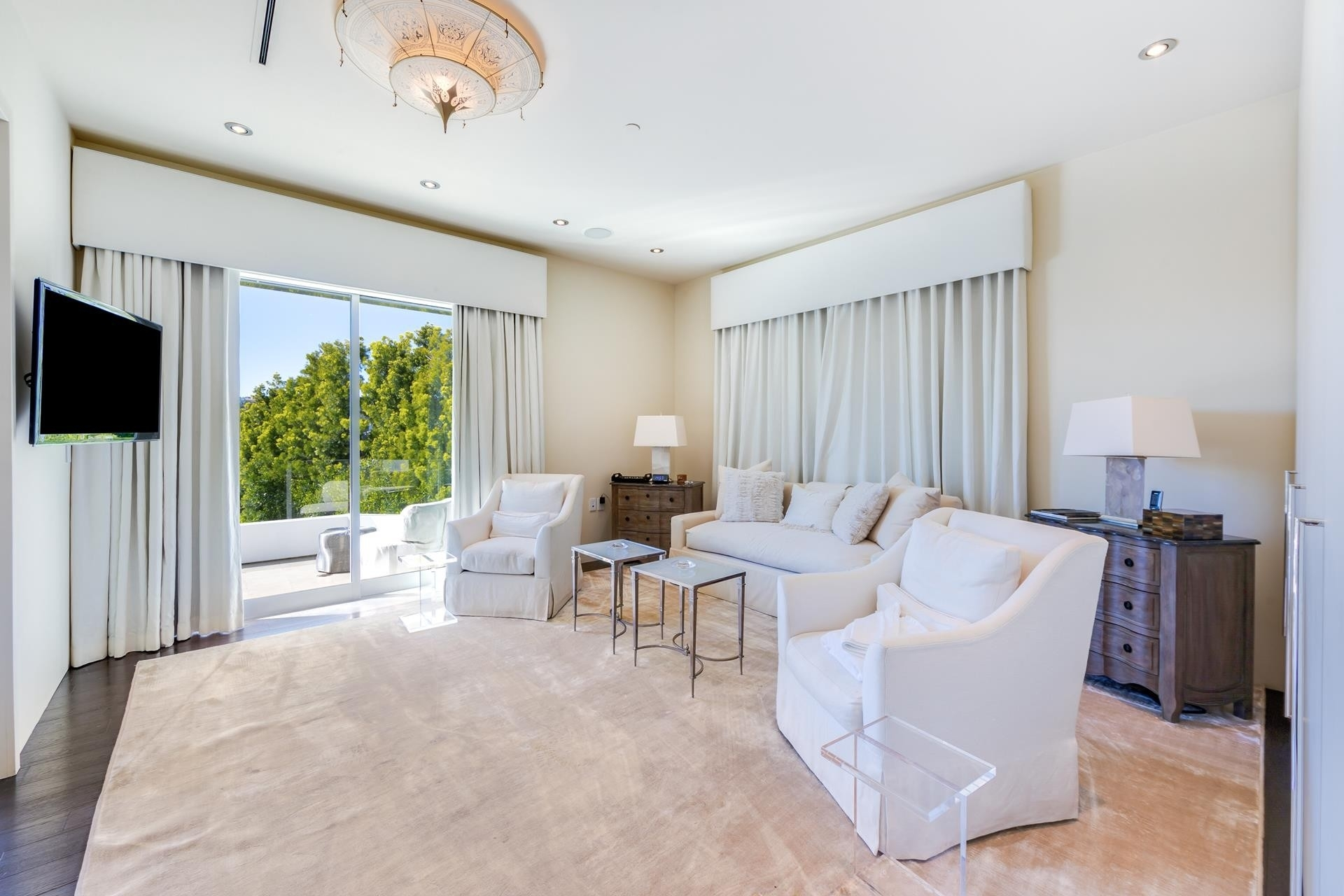 17. Single Family Homes for Sale at Bel Air, Los Angeles, CA 90077