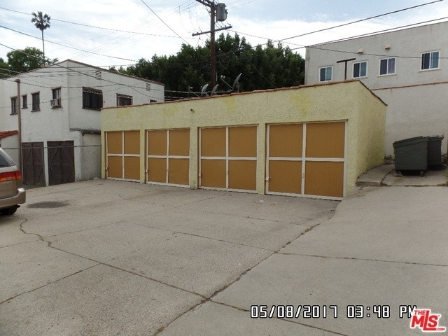 12. Rentals at Los Angeles