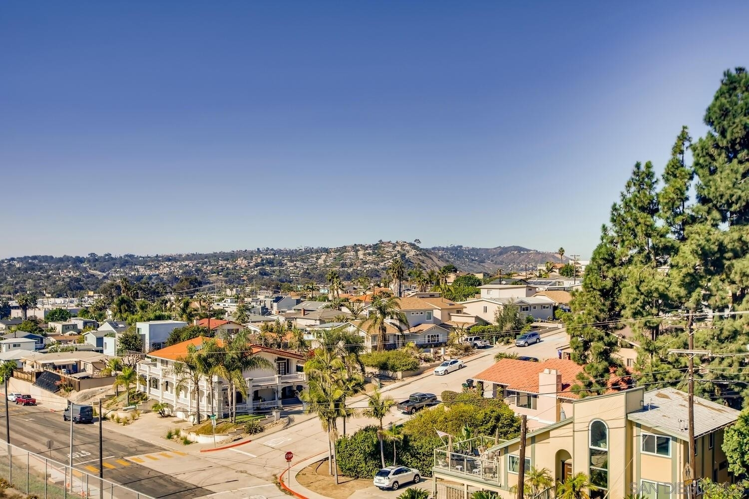 35. Single Family Homes for Sale at Bay Park, San Diego, CA 92117