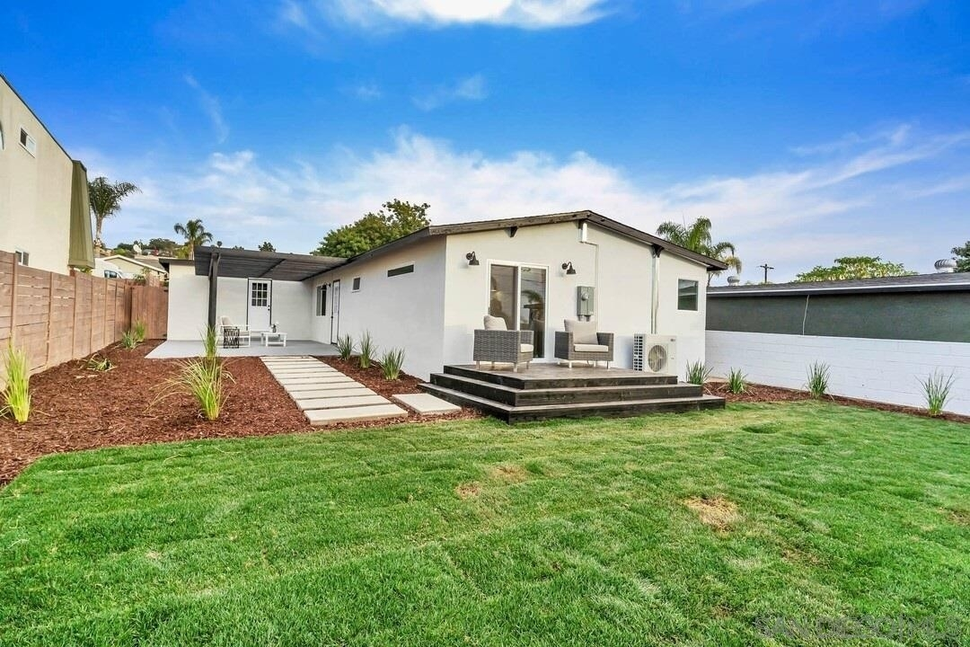 22. Single Family Homes for Sale at Bay Park, San Diego, CA 92117