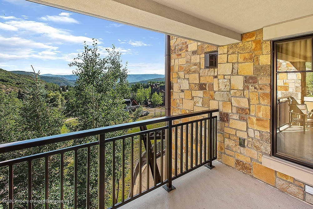 7. Condominiums for Sale at 130 Wood Road, 241 Snowmass Village, CO 81615