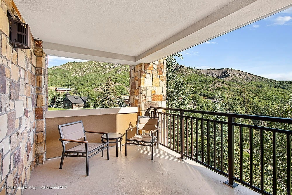 6. Condominiums for Sale at 130 Wood Road, 241 Snowmass Village, CO 81615
