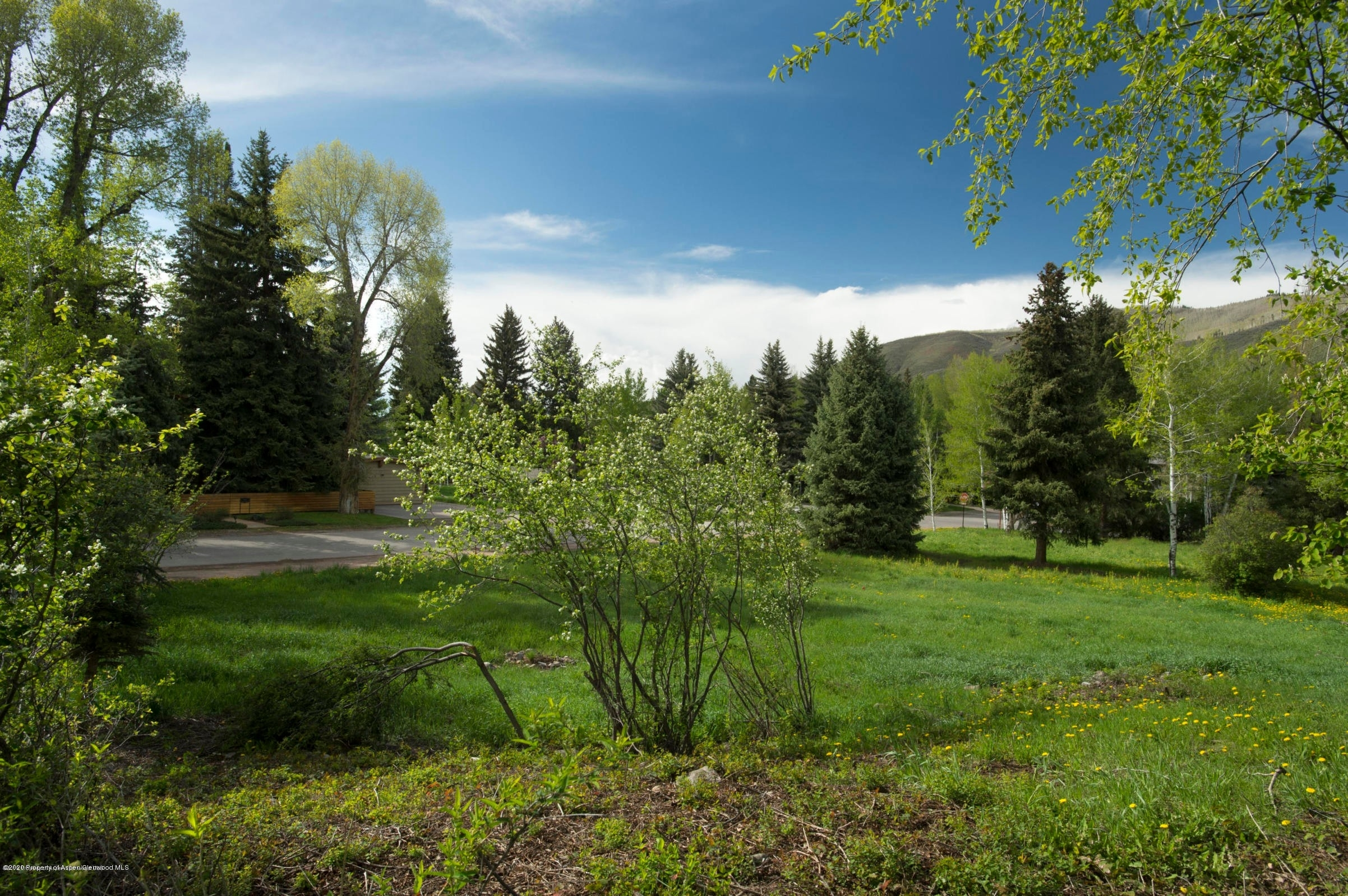 16. Condominiums for Sale at 426 N Eighth Street, Back Home The West End, Aspen, CO 81611