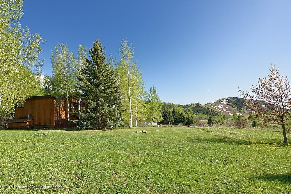 33. Single Family Homes for Sale at Meadowood, Aspen, CO 81611