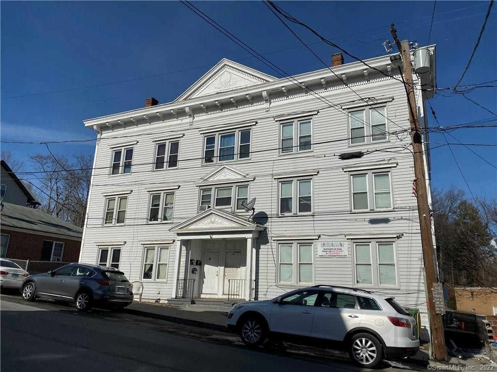 2. Multi Family Townhouse for Sale at Brooklyn, Waterbury, CT 06708