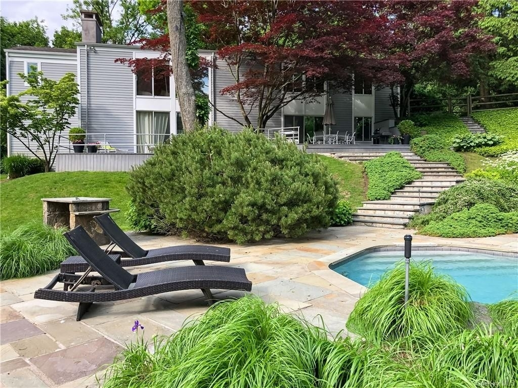 2. Single Family Homes for Sale at Mid Country West, Greenwich, CT 06830