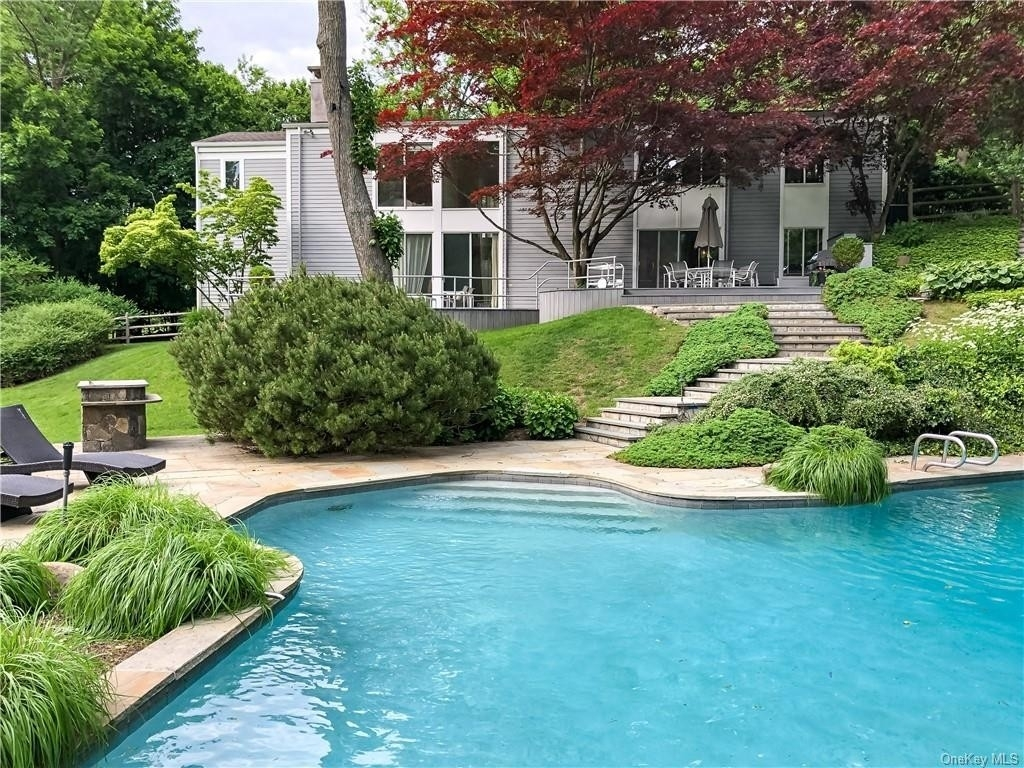 1. Single Family Homes for Sale at Mid Country West, Greenwich, CT 06830
