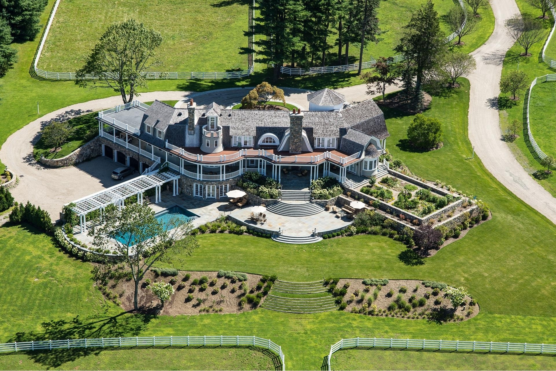 Single Family Home for Sale at Greenwich, CT 06831