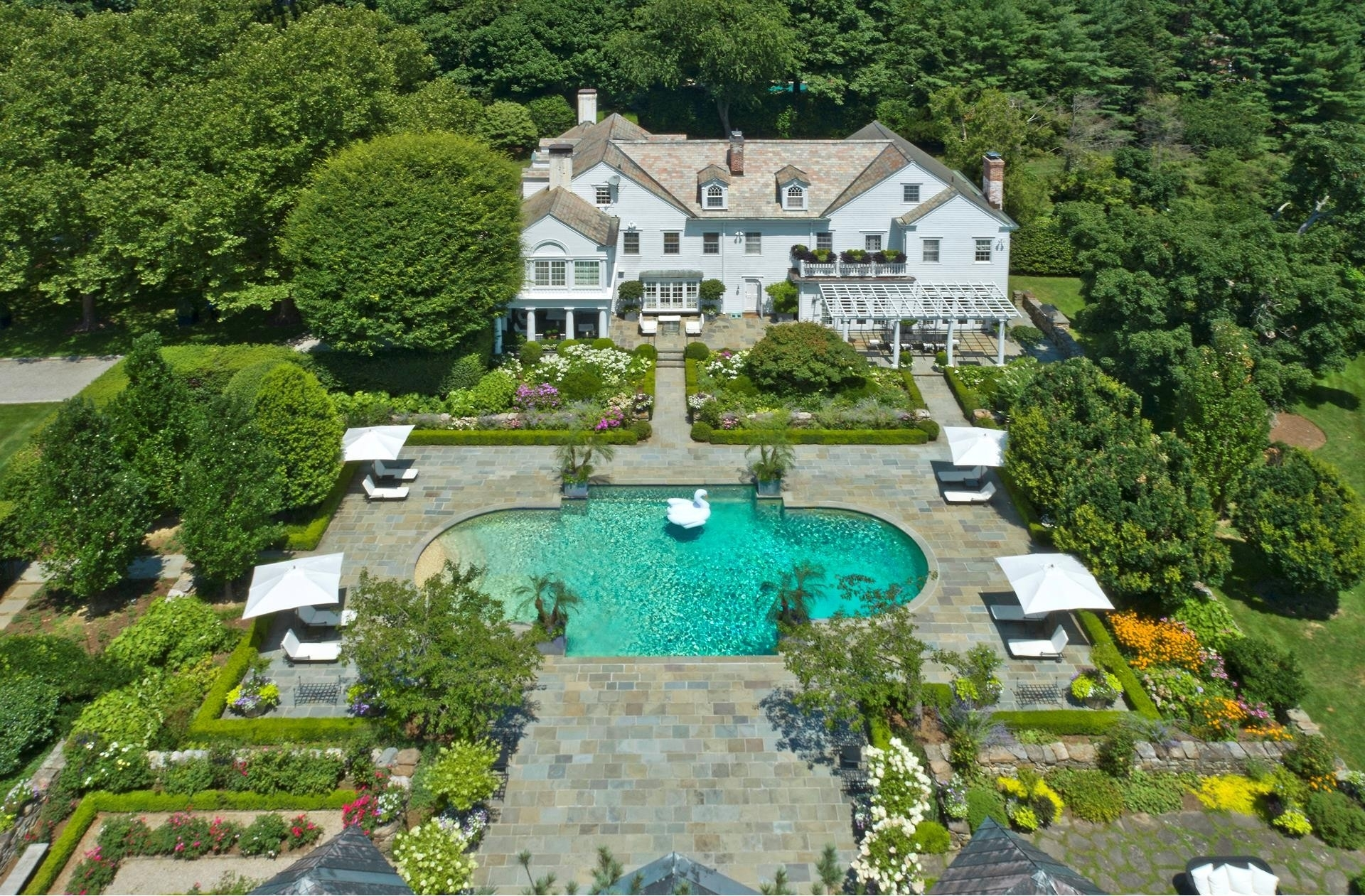 26. Single Family Homes 為 特賣 在 Mid Country West, Greenwich, CT 06831