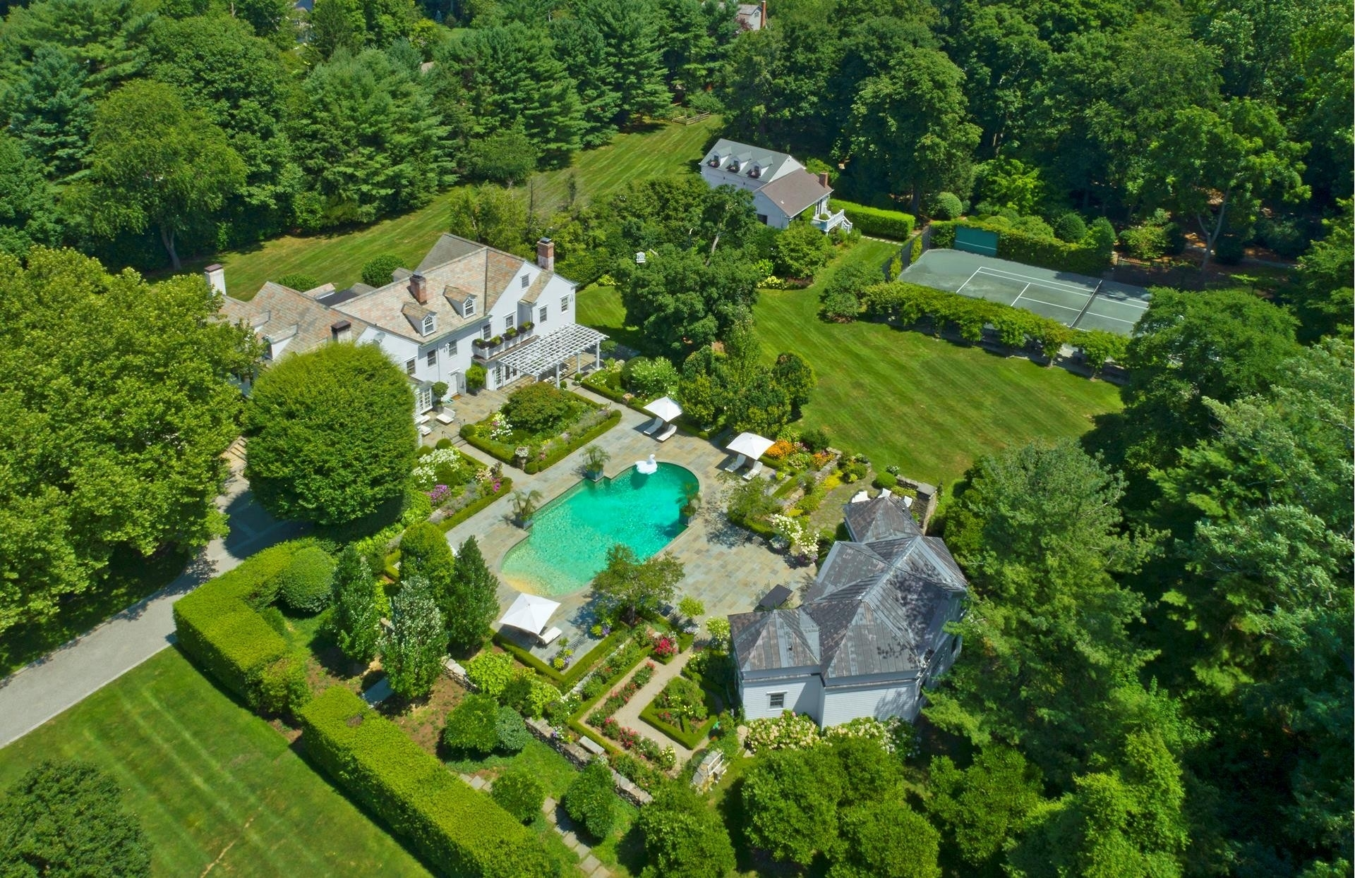 38. Single Family Homes 為 特賣 在 Mid Country West, Greenwich, CT 06831