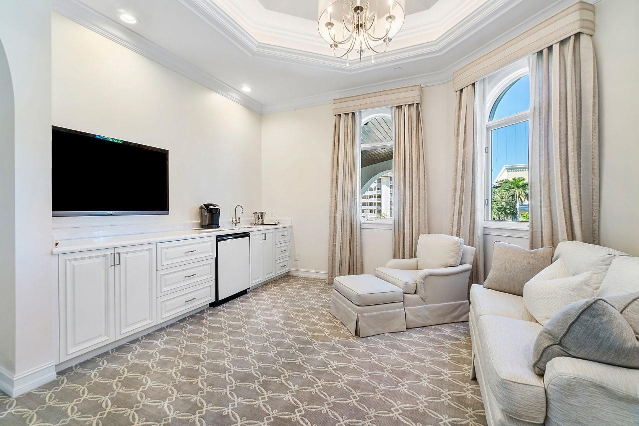 34. Single Family Homes for Sale at Royal Palm Yacht And Country Club, Boca Raton, FL 33432