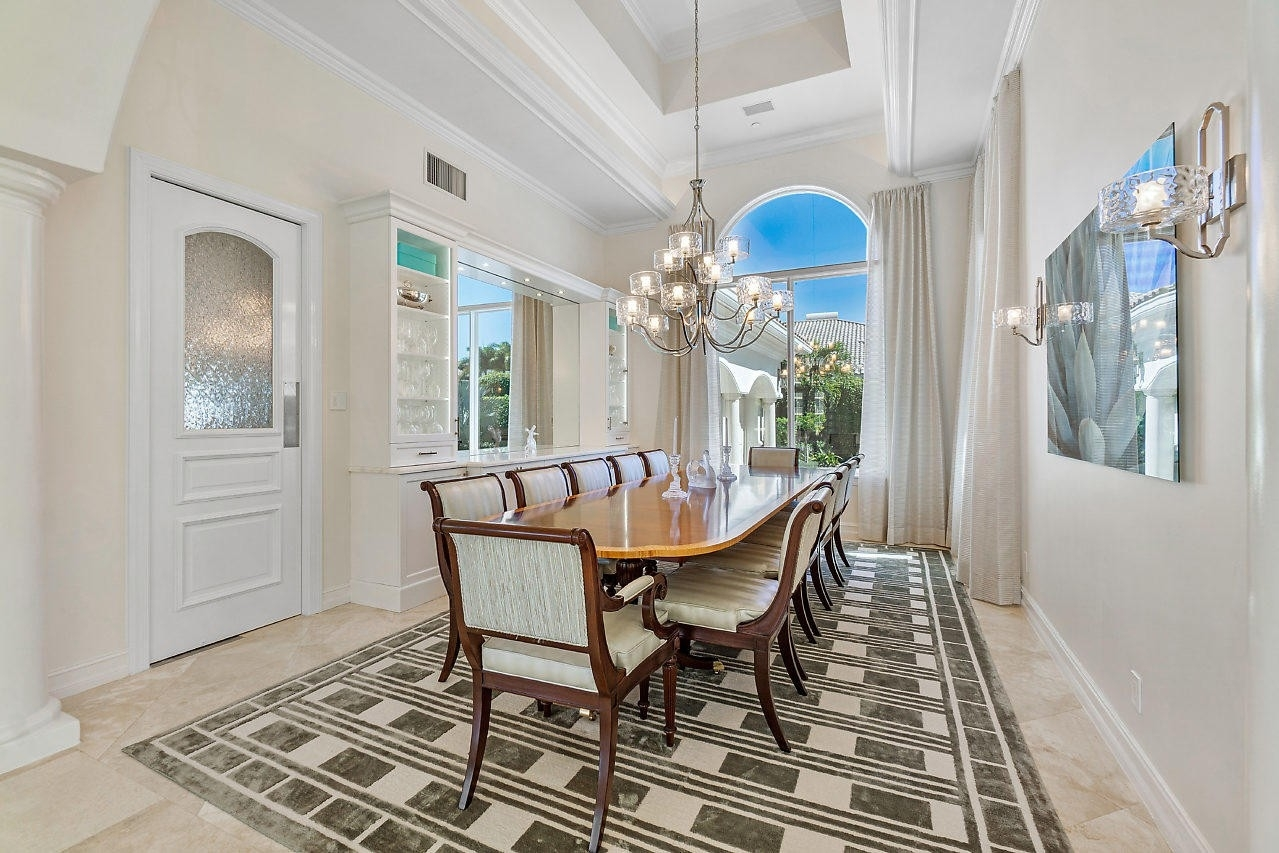 25. Single Family Homes for Sale at Royal Palm Yacht And Country Club, Boca Raton, FL 33432