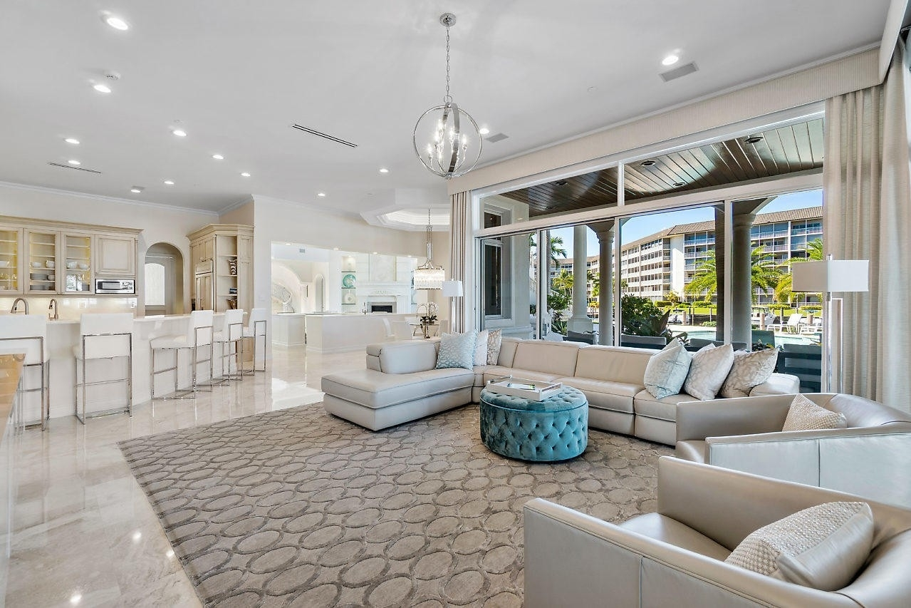 23. Single Family Homes for Sale at Royal Palm Yacht And Country Club, Boca Raton, FL 33432