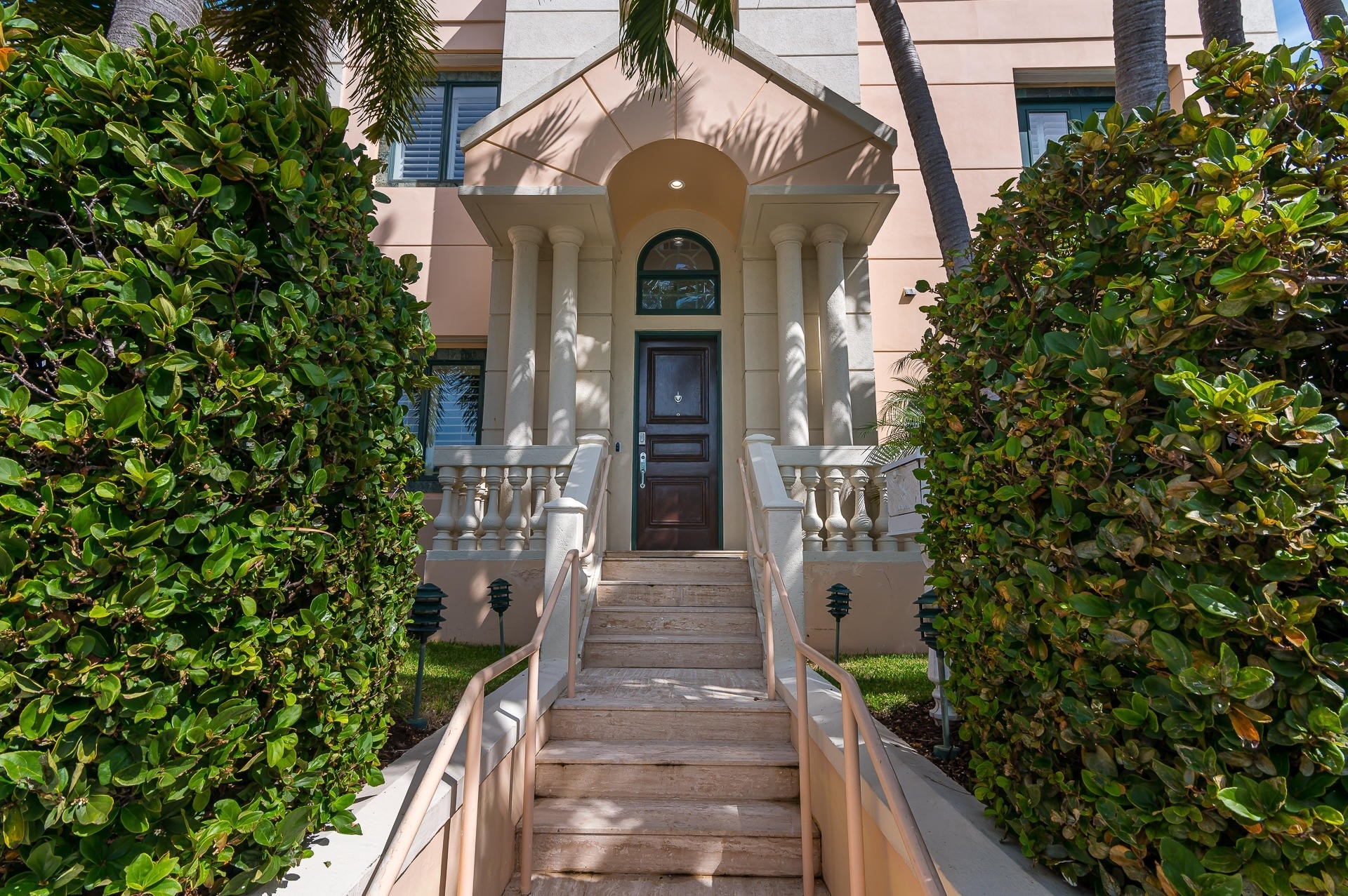 Single Family Townhouse for Sale at 301 Everglade Avenue, 10 Palm Beach, FL 33480