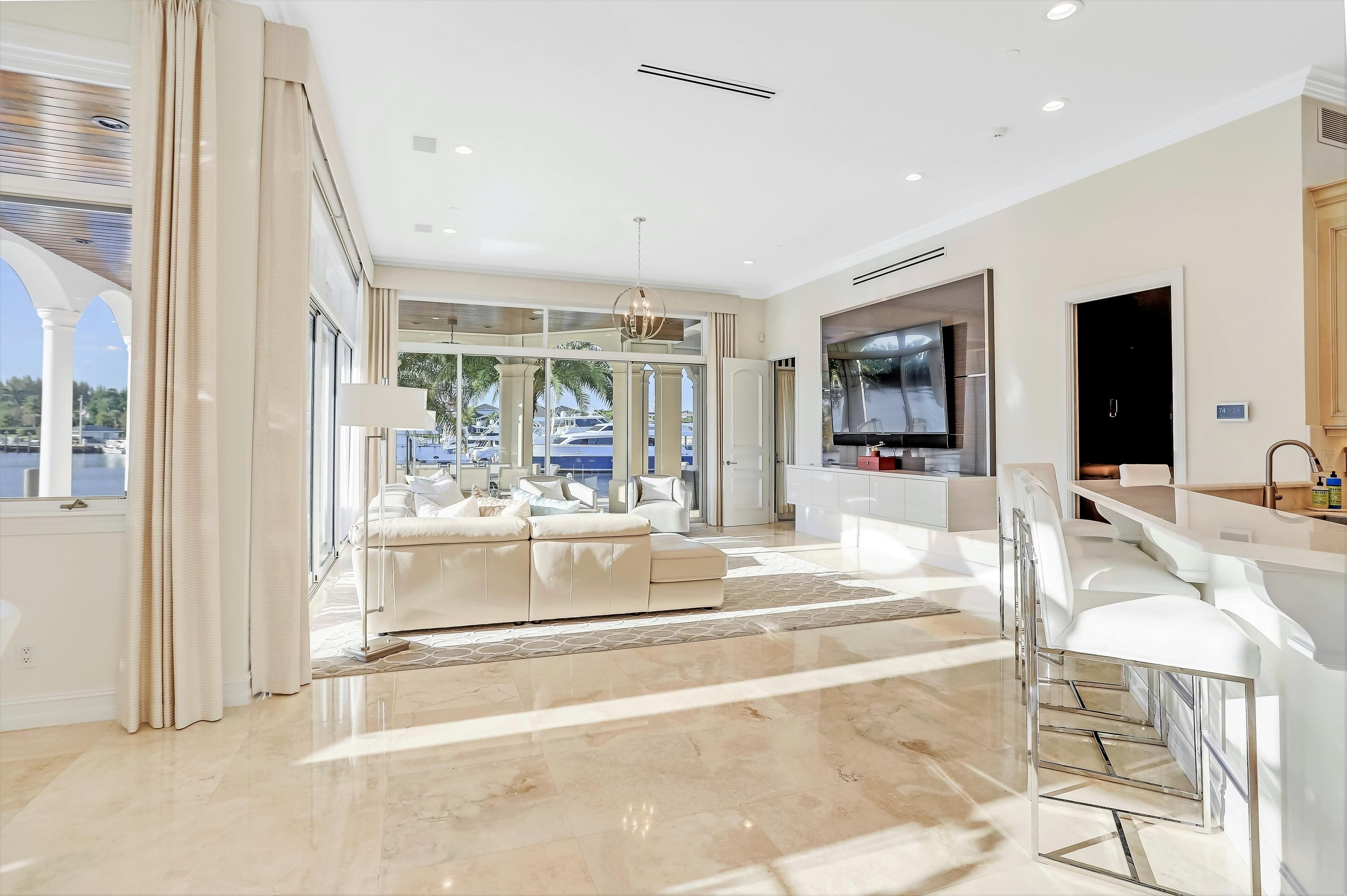 20. Single Family Homes for Sale at Royal Palm Yacht And Country Club, Boca Raton, FL 33432