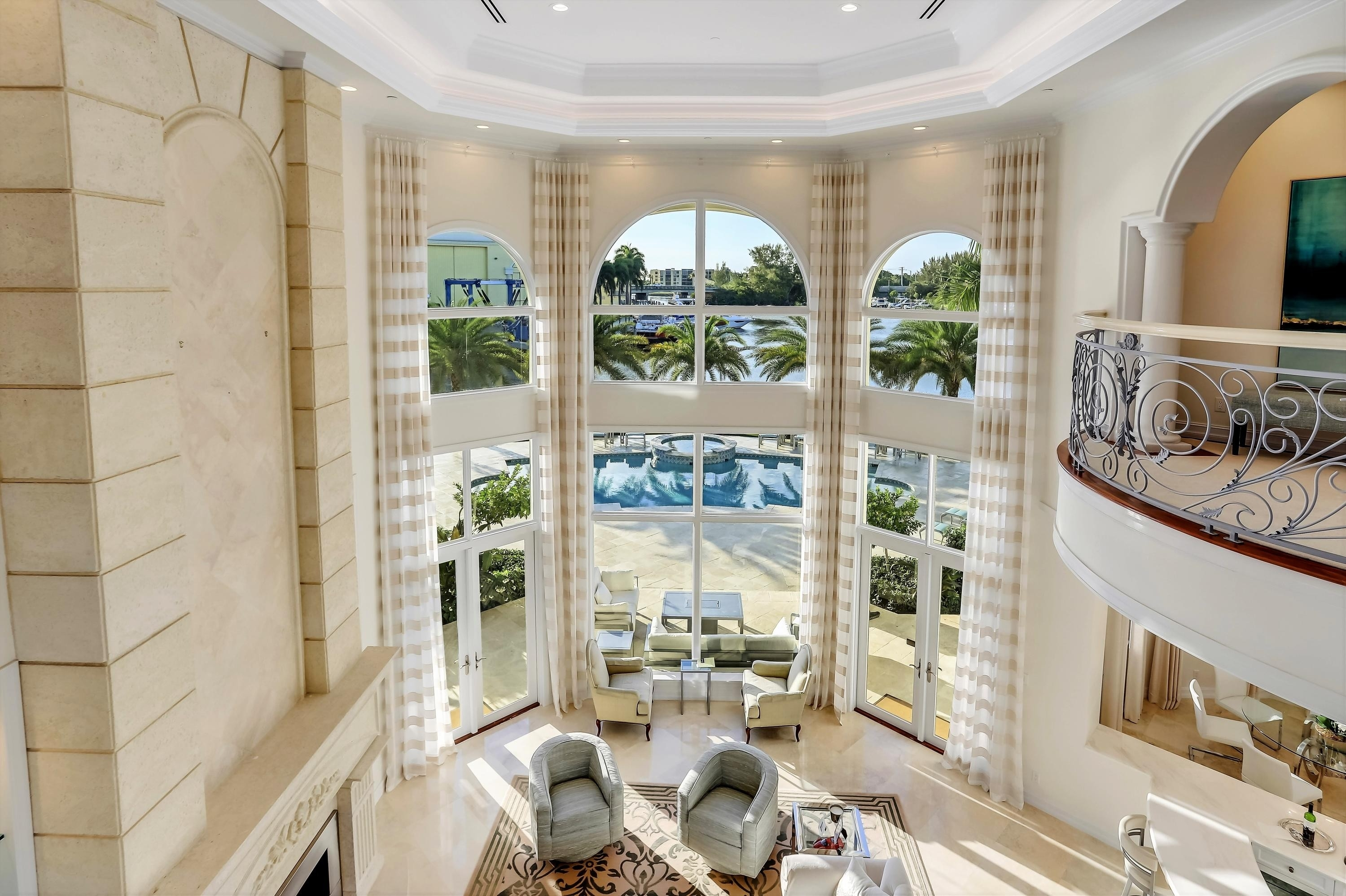 14. Single Family Homes for Sale at Royal Palm Yacht And Country Club, Boca Raton, FL 33432