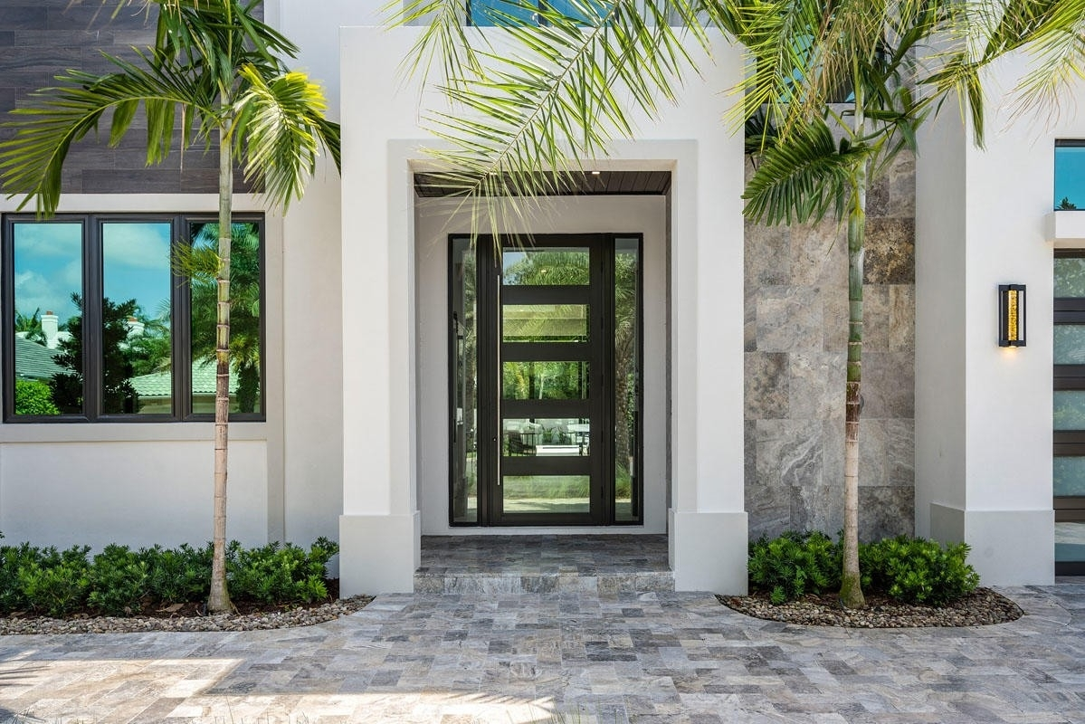 24. Single Family Homes for Sale at Royal Palm Yacht And Country Club, Boca Raton, FL 33432