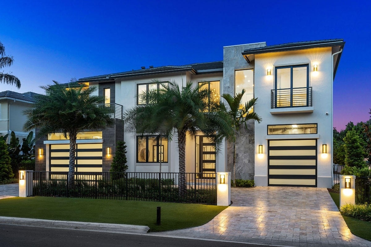 1. Single Family Homes for Sale at Royal Palm Yacht And Country Club, Boca Raton, FL 33432