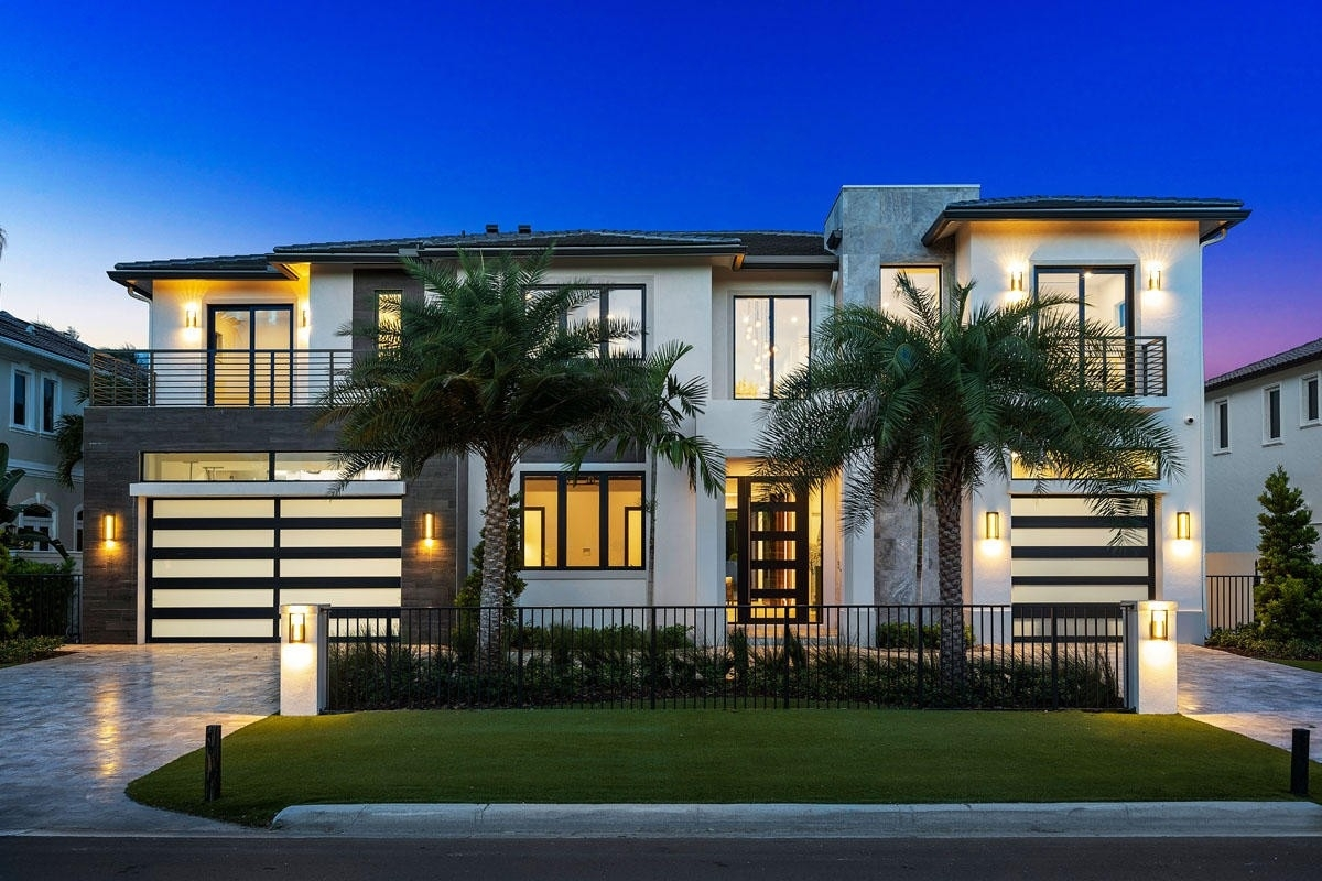 7. Single Family Homes for Sale at Royal Palm Yacht And Country Club, Boca Raton, FL 33432