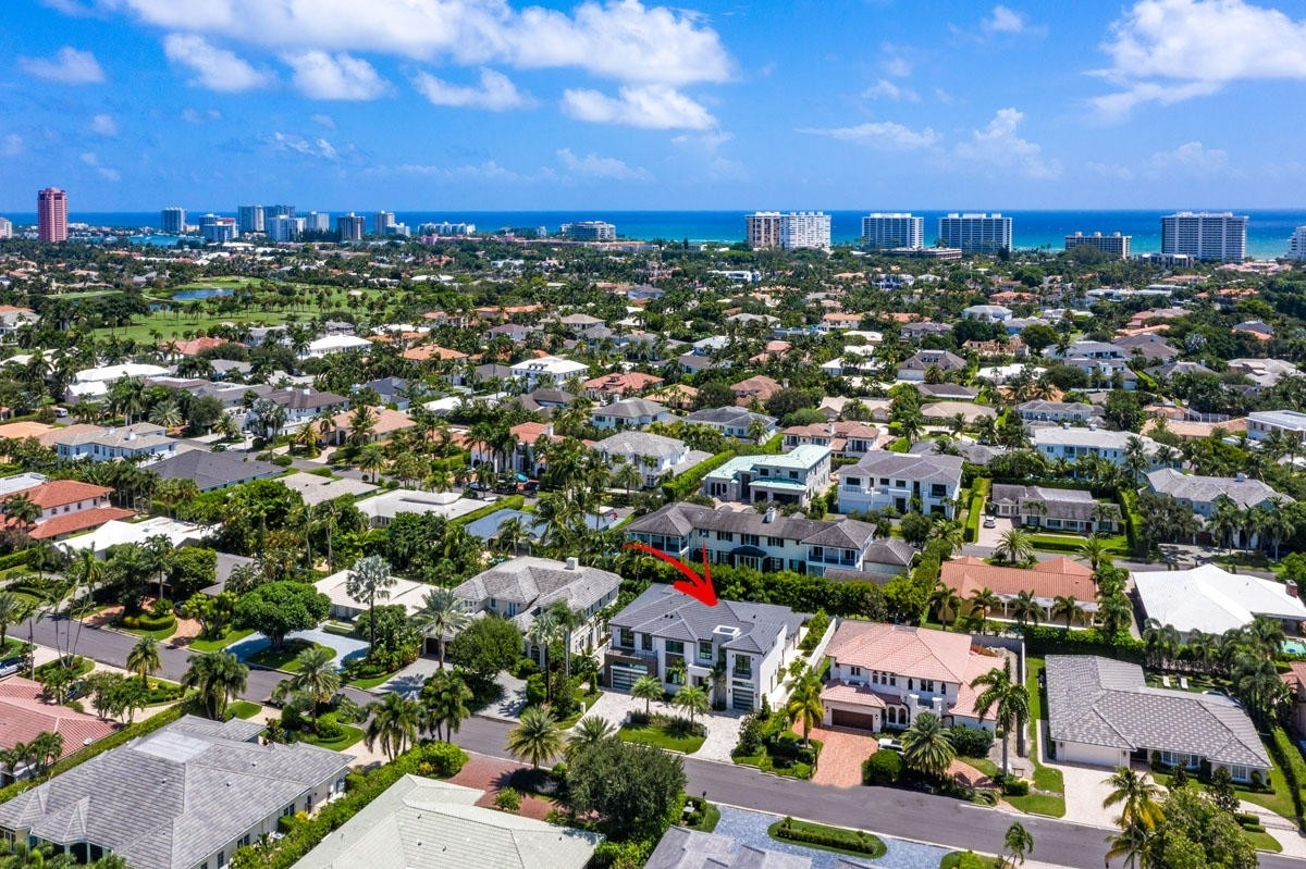 5. Single Family Homes for Sale at Royal Palm Yacht And Country Club, Boca Raton, FL 33432