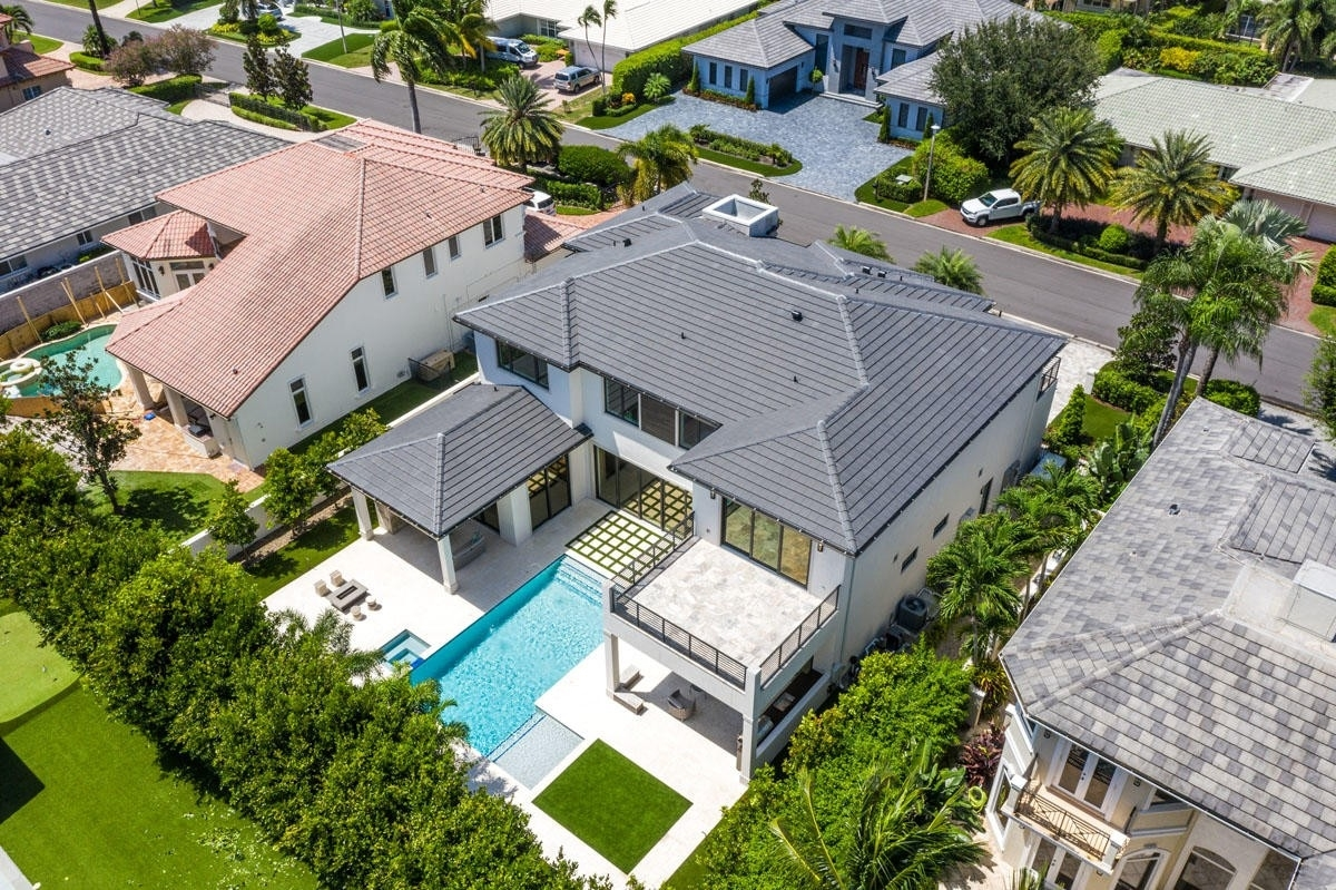 4. Single Family Homes for Sale at Royal Palm Yacht And Country Club, Boca Raton, FL 33432
