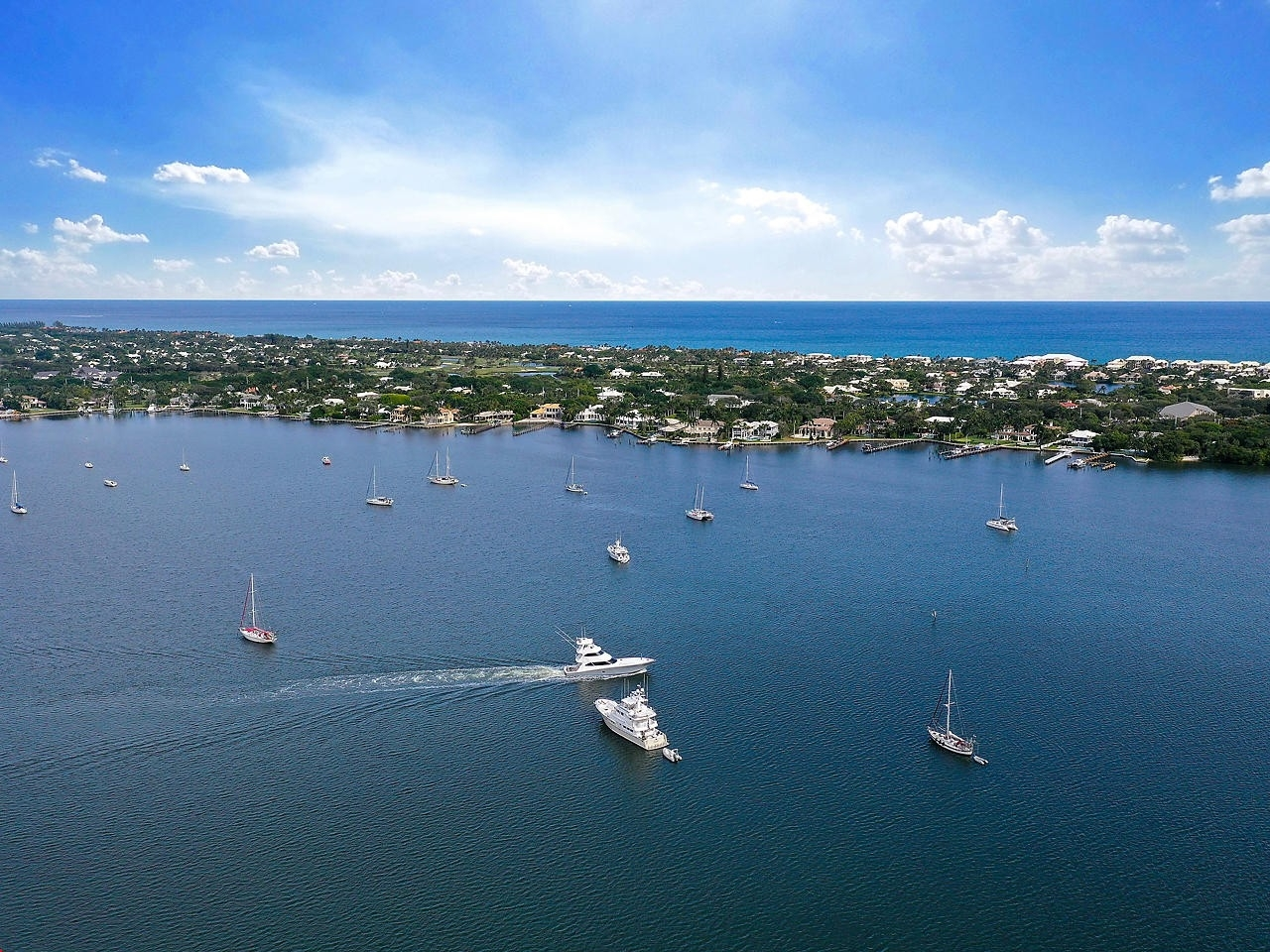 Property 在 126 Lakeshore Drive, 4260 Old Port Cove, North Palm Beach, FL 33408
