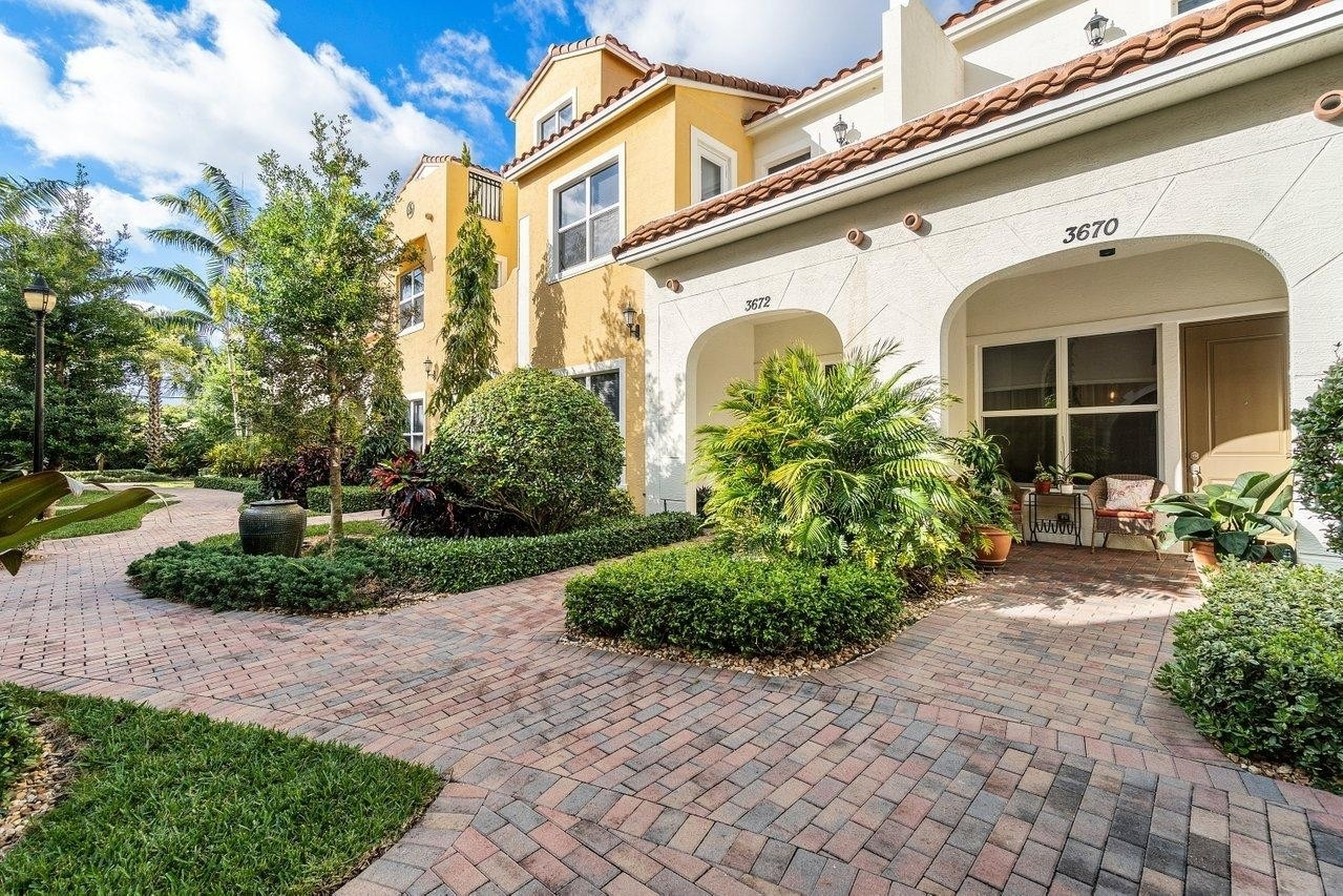 Single Family Townhouse for Sale at Central Park, West Palm Beach, FL 33405