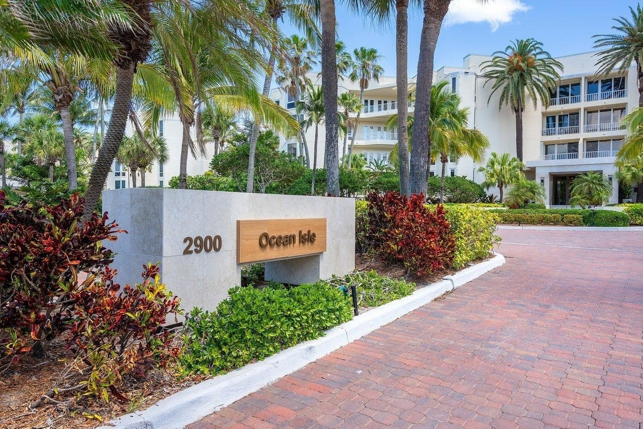 Condominium for Sale at 2900 SE Dune Drive, 315 Sailfish Point, Stuart, FL 34996
