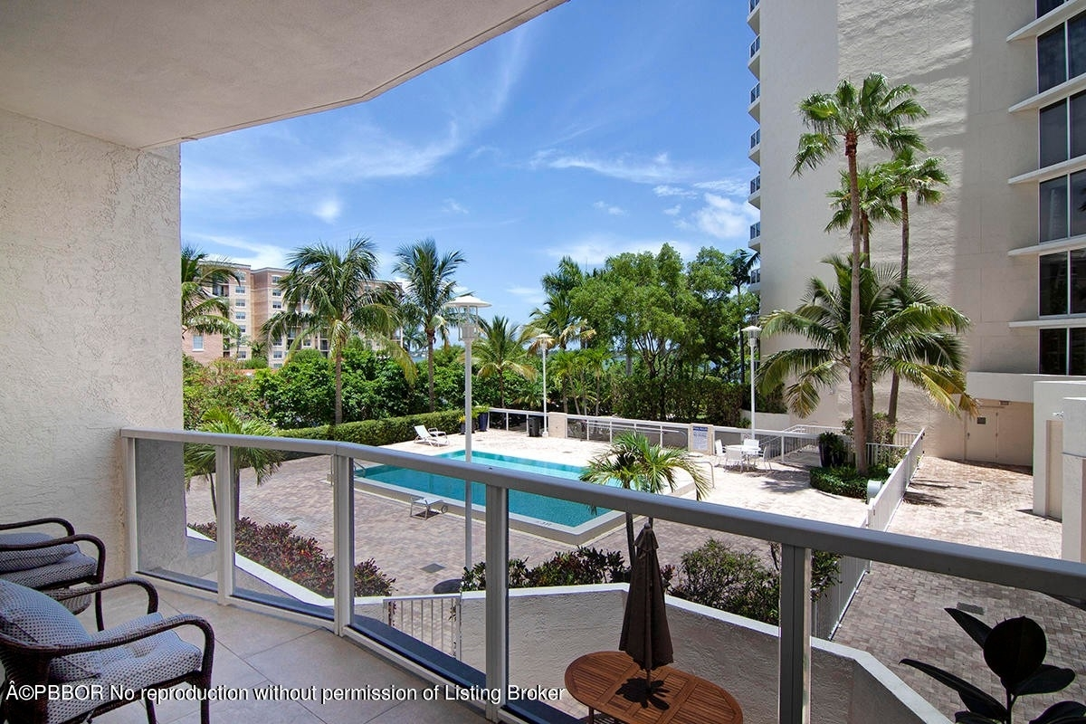 1. Condominiums для того Продажа на 1617 N Flagler Drive, 302 Bethesda Park, West Palm Beach, FL 33407