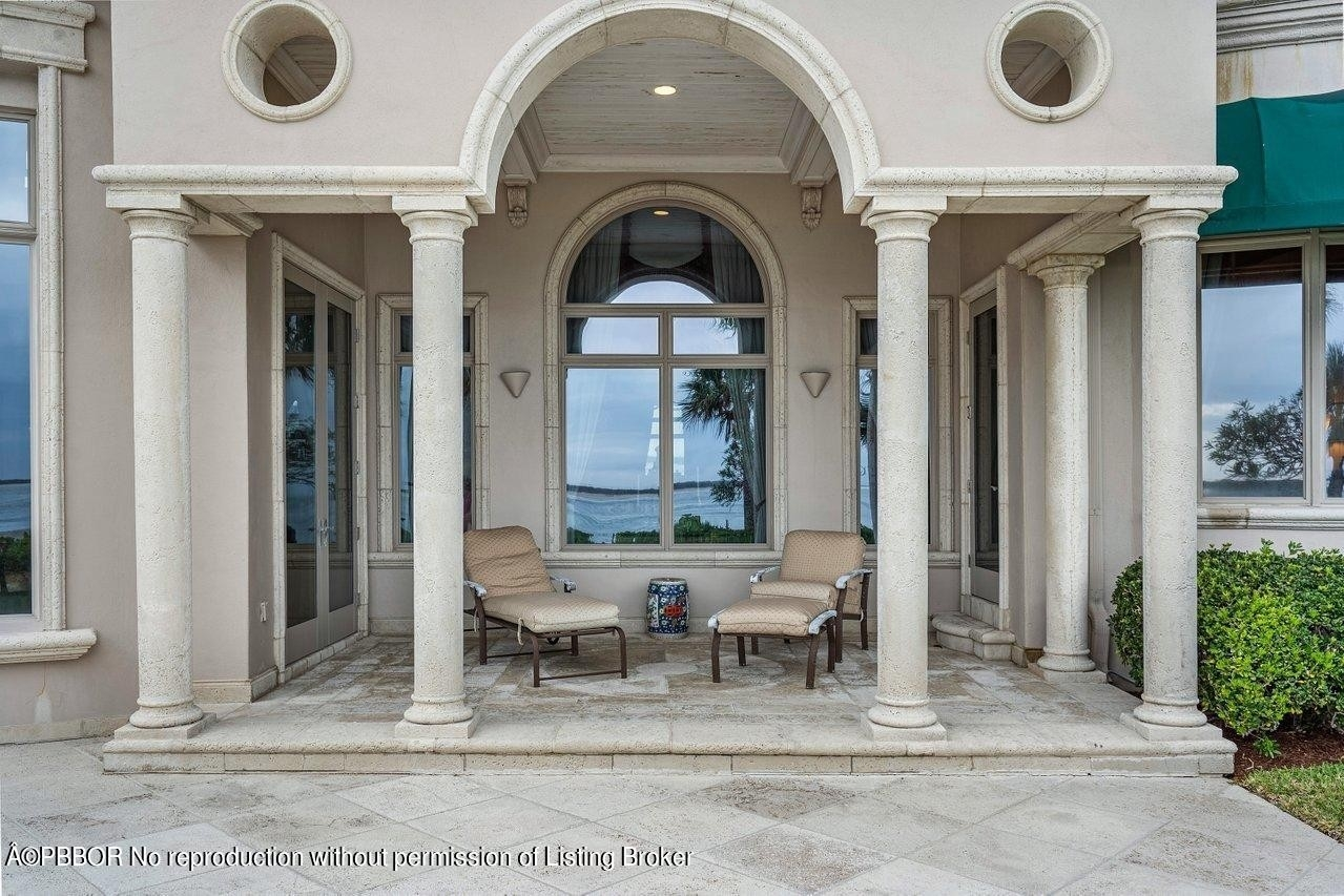 31. Single Family Homes for Sale at Sailfish Point, Stuart, FL 34996