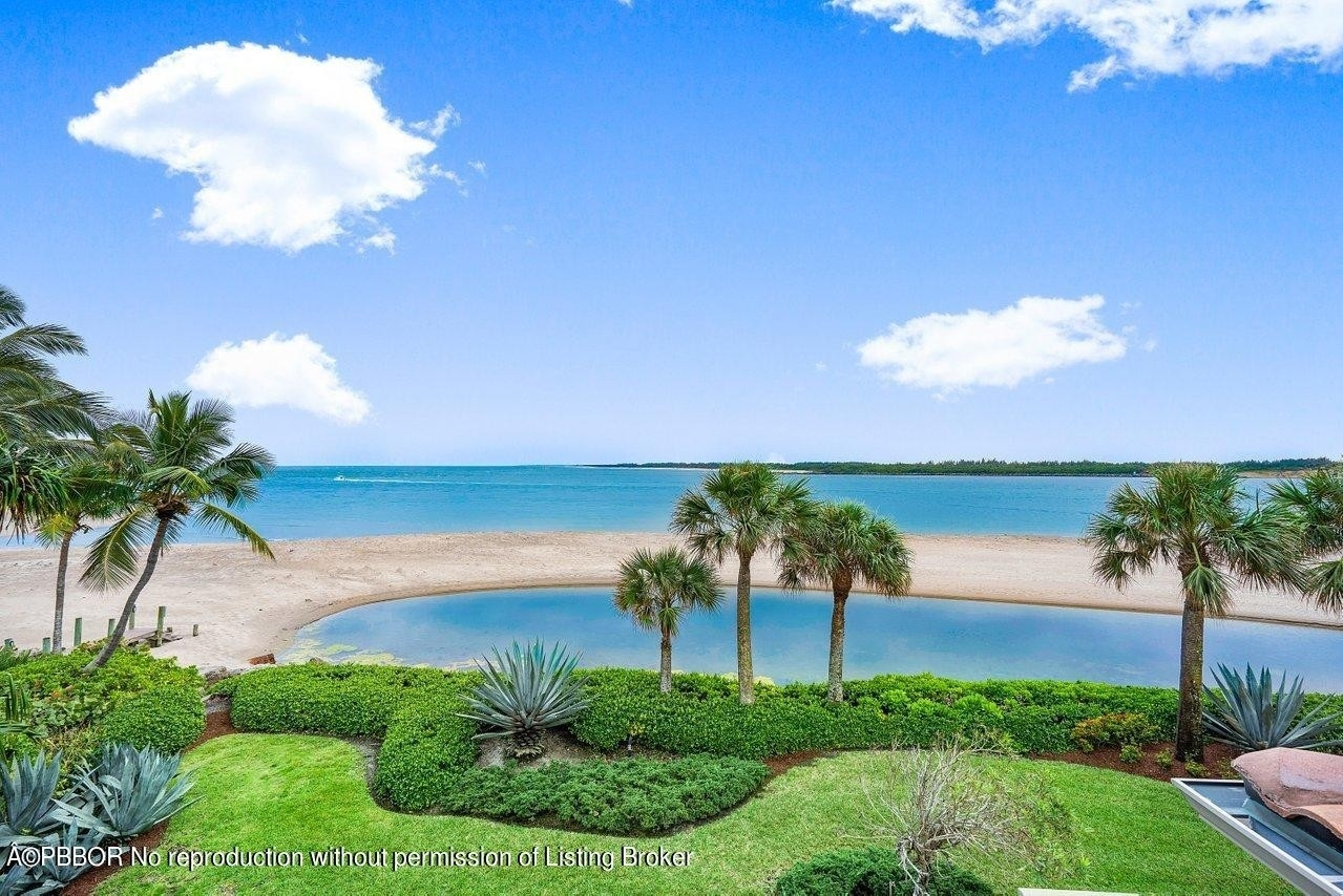 38. Single Family Homes for Sale at Sailfish Point, Stuart, FL 34996