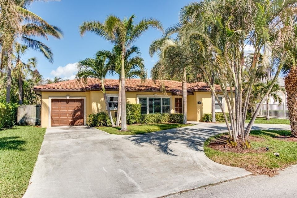 Single Family Home at Palm Beach Shores