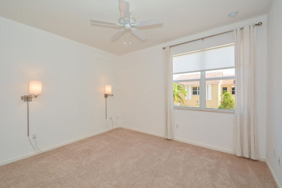 16. Single Family Townhouse at Boca Raton