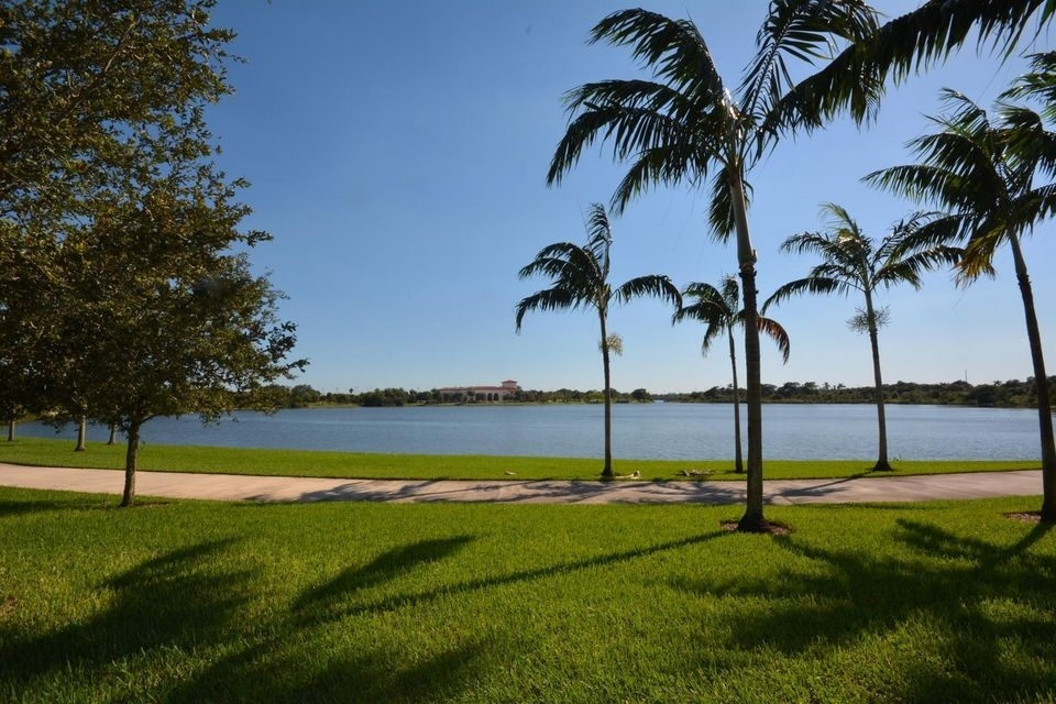 35. Single Family Townhouse at Boca Raton