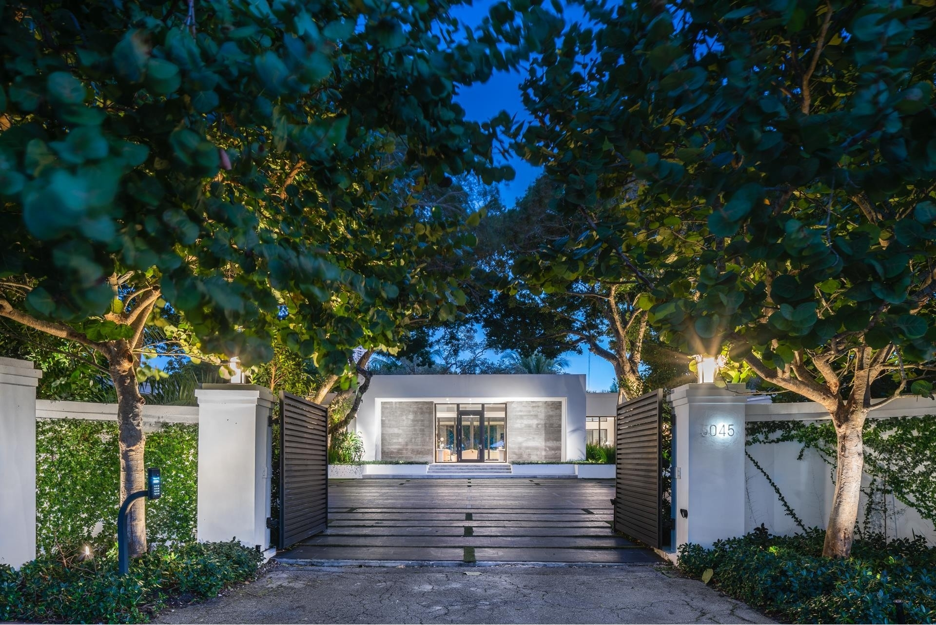 Single Family Home for Sale at La Gorce, Miami Beach, FL 33140