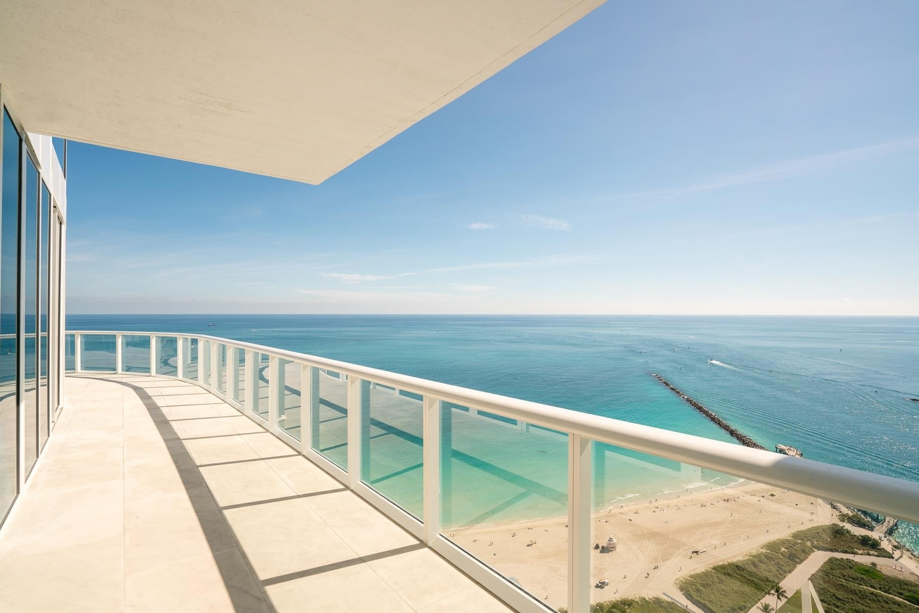 18. Condominiums for Sale at 100 S Pointe Drive , 3804/5 South Point, Miami Beach, FL 33139
