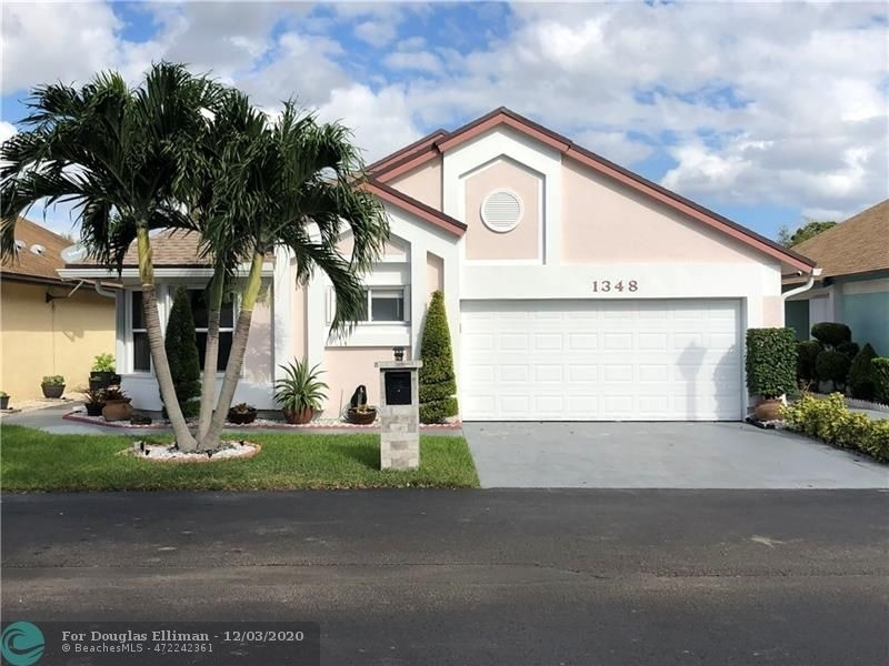 Single Family Home for Sale at North Lauderdale, FL 33068