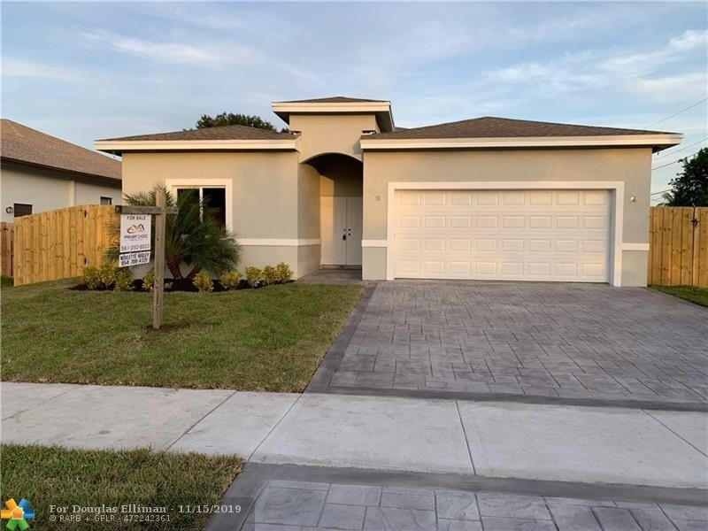 Single Family Home for Sale at Hunters Manor, Pompano Beach, FL 33069