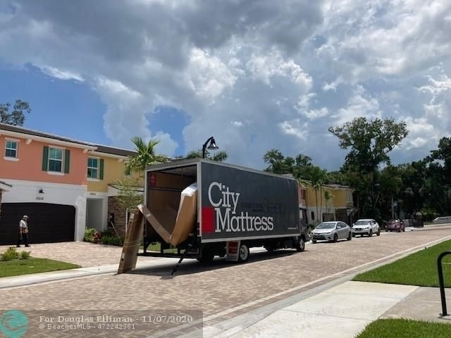18. Single Family Townhouse for Sale at 12861 TREVI ISLE DRIVE , 19 Palm Beach Gardens, FL 33418