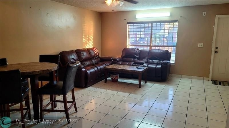 4. Single Family Homes для того Продажа на Lees Crossing, Lake Worth, FL 33463