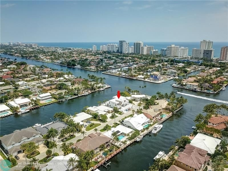 9. Single Family Homes for Sale at Coral Ridge Country Club Estates, Fort Lauderdale, FL 33308